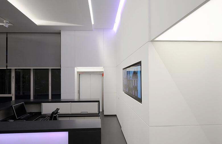 Tresenbereich im Foyer von selux Berlin