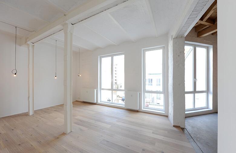 Fertiger Innenausbau eines Künstler-Loft-Bereichs