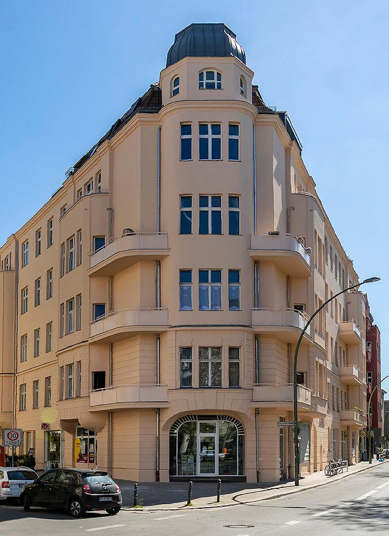 Gebäudekomplex Martin-Luther-Straße nach der Fassadenerneuerung